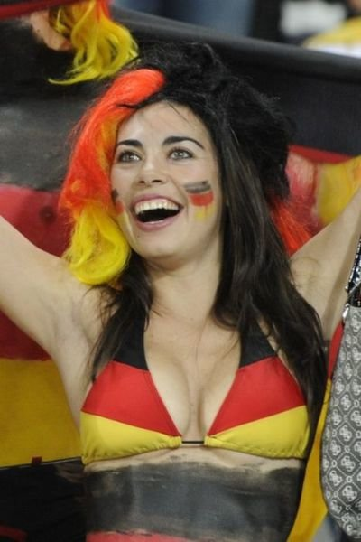 hot girls spotted world cup stands