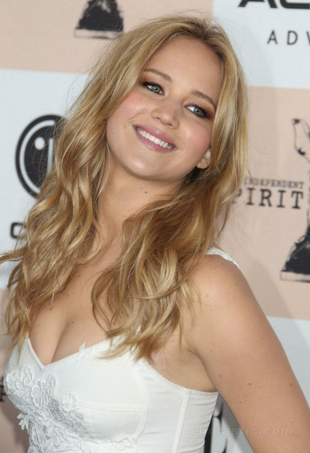 hownp0y - jennifer lawrence is sexy (54 photos)