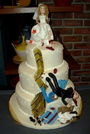 image003 - first there were the wedding cakes and now...... divorce  cakes!!!!!