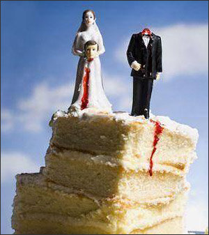 image006 - first there were the wedding cakes and now...... divorce  cakes!!!!!