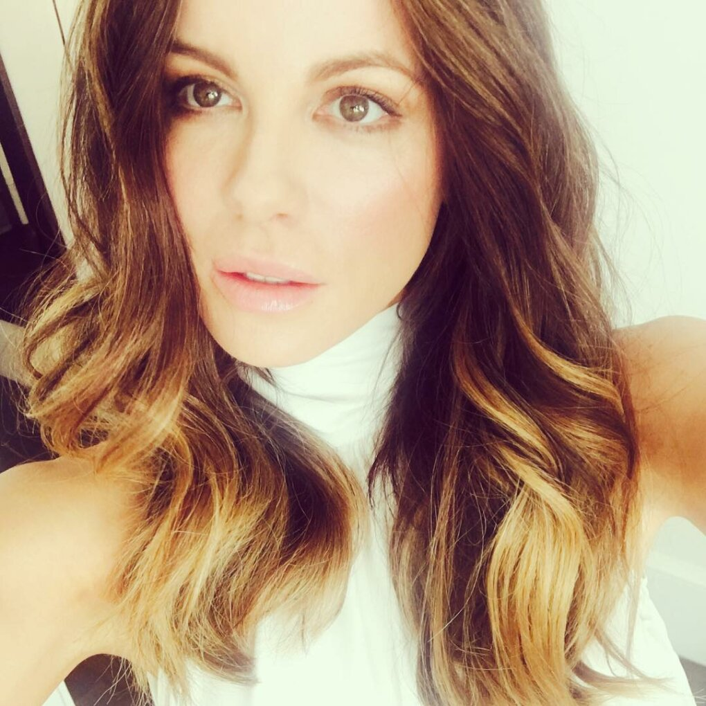kate beckinsale gorgeous selfie