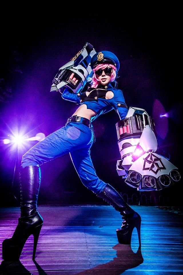league legends officer cosplay