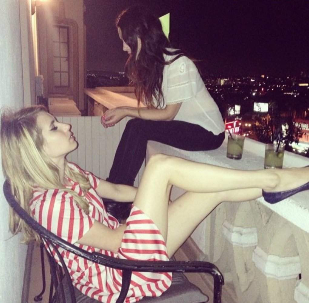 legs - stunning and talented emma roberts (50+ photos)