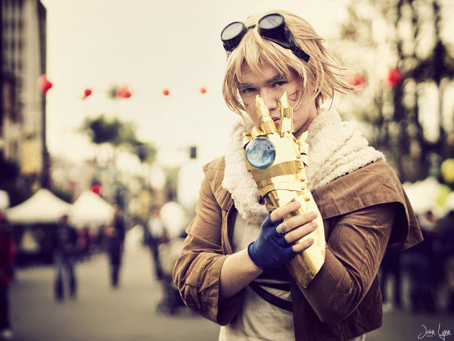 lol ezreal - ultimate league of legends cosplay collection