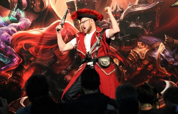 lol gangplank - ultimate league of legends cosplay collection