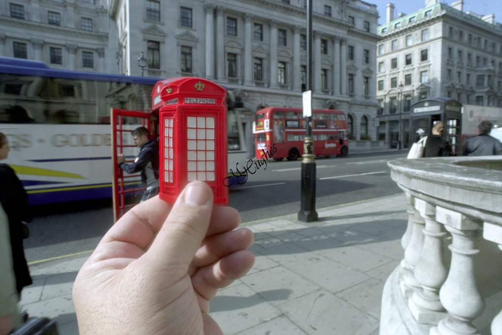 london - are souvenirs out of sight?