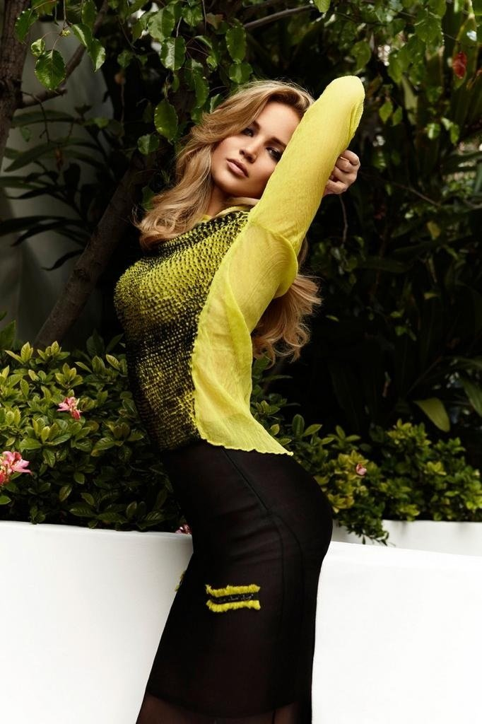 look everyone another jennifer lawrence picture