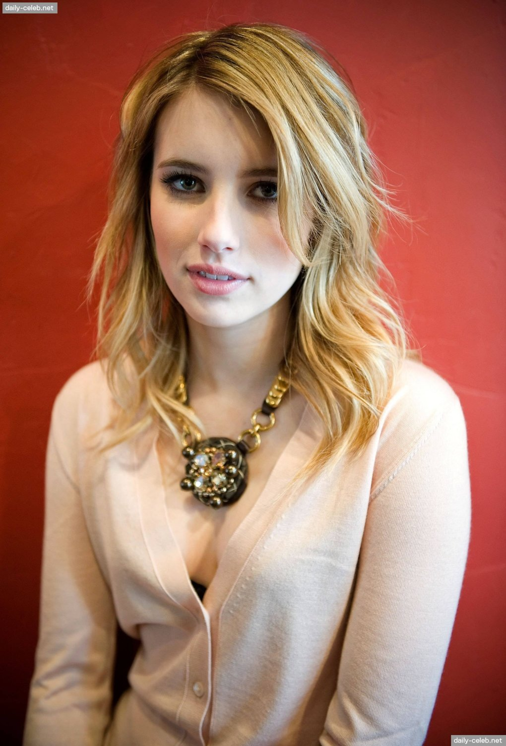 lovely - stunning and talented emma roberts (50+ photos)