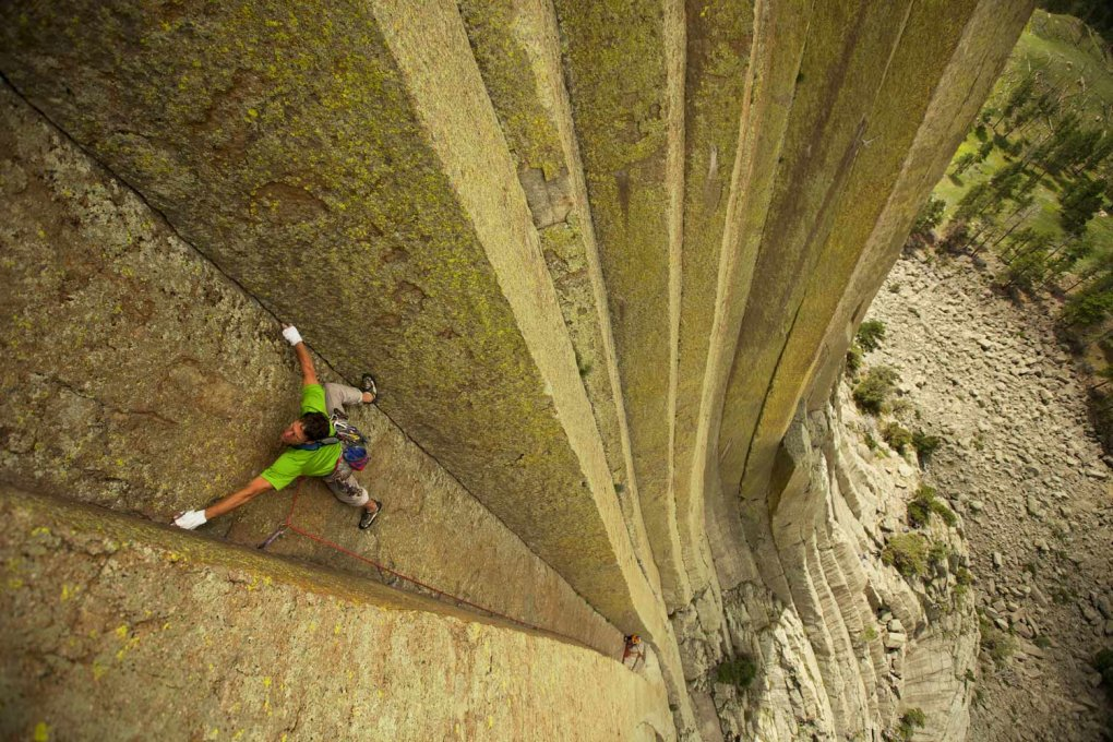 mark jenkins scaling devils tower black hills wyoming photo aaron huey