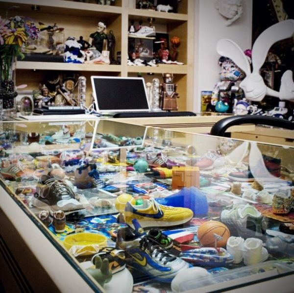nike 01 - inside the office of nike ceo mark parker