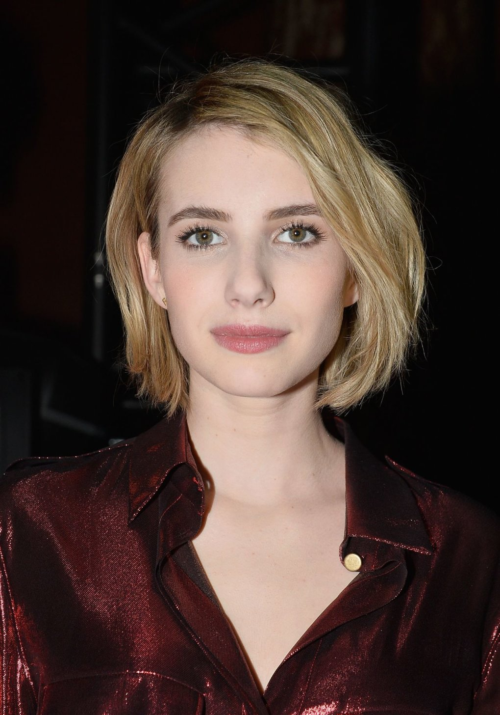 pretty - stunning and talented emma roberts (50+ photos)