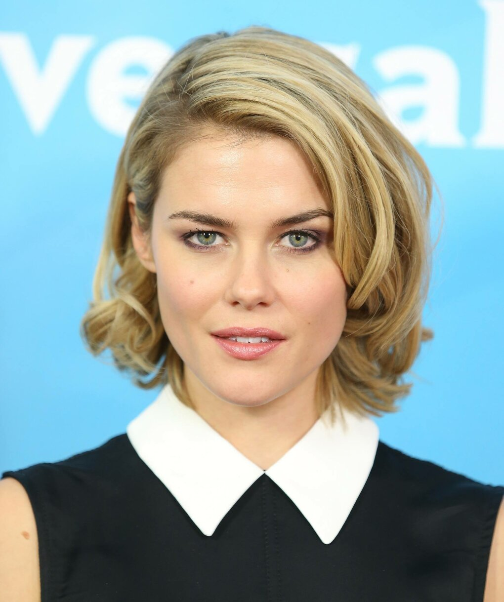 rachael taylor sexy woman day