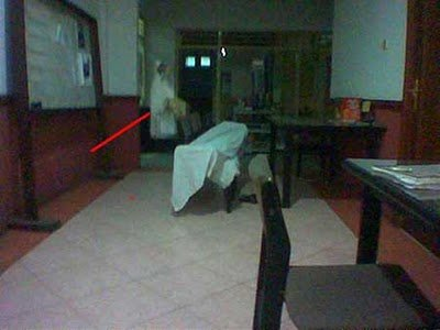 real ghost16 - best real ghost compilation captured by amateur camera | 43 pics