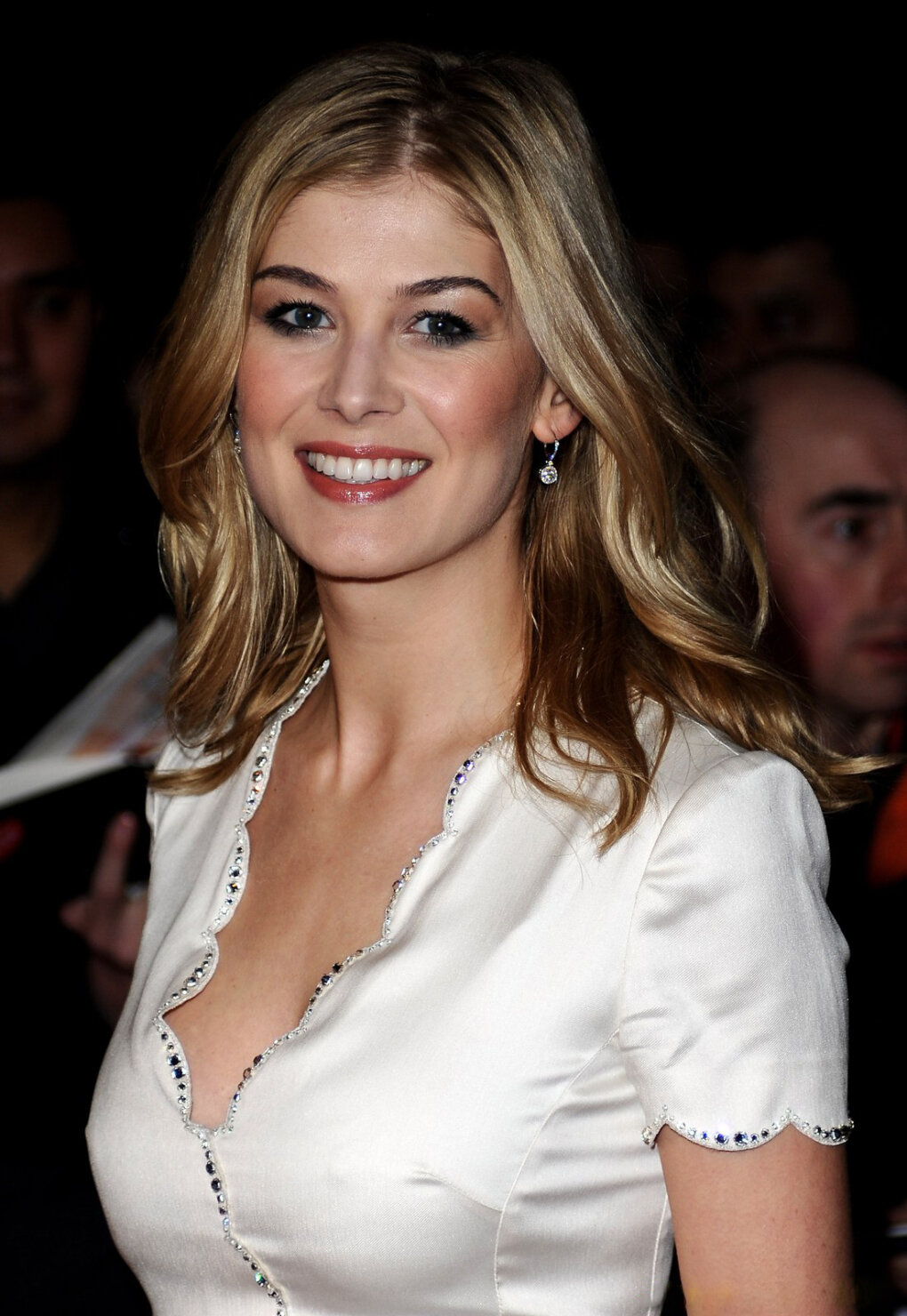 Sexy And Talented Rosamund Pike (20+ Photos) - Sharenator ...