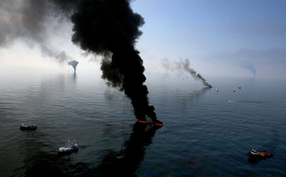 s04 23845889 - oil in the gulf, two months later