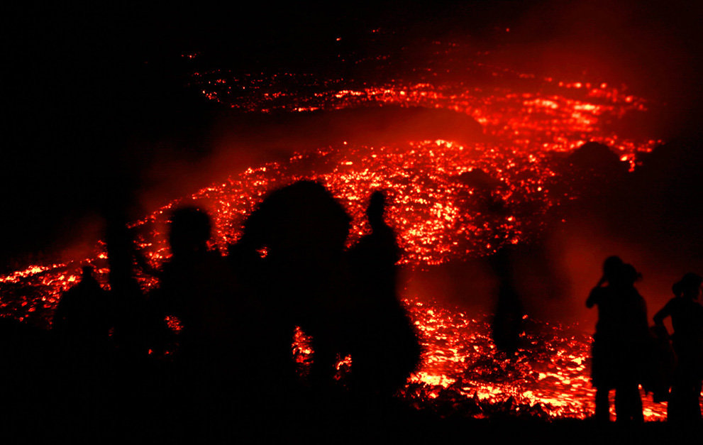 s v05 04124618 - a year of volcanic activity