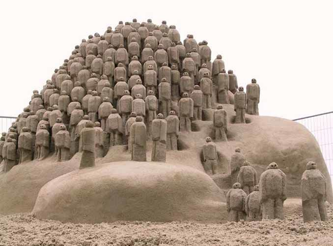 sand sculpture people