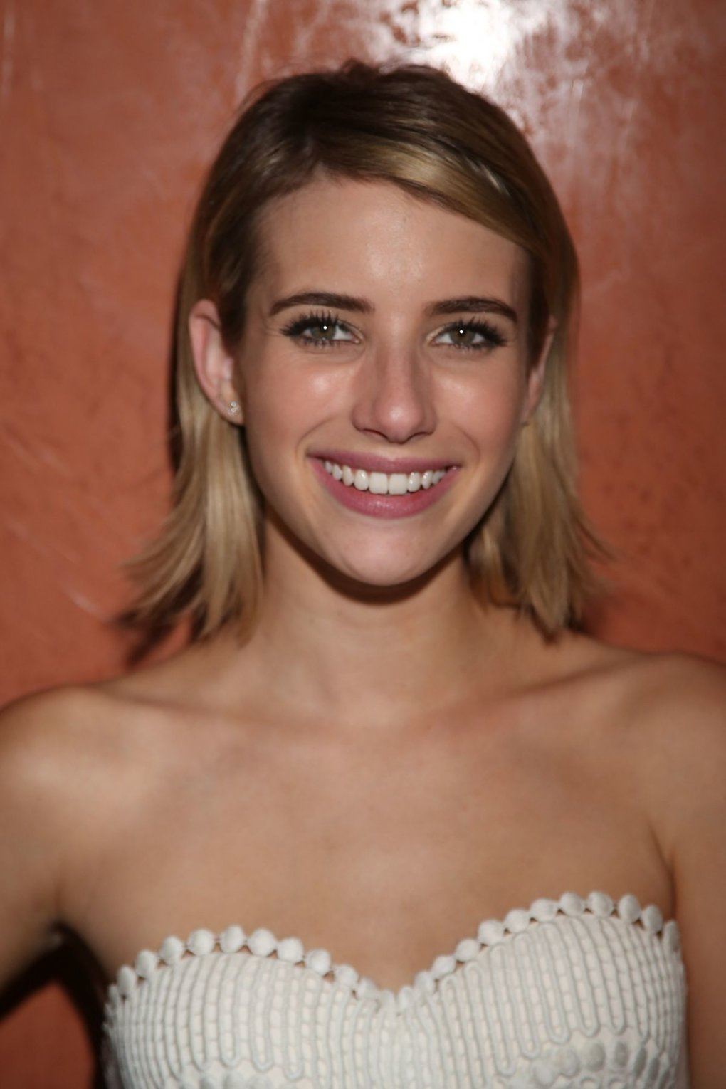 smile - stunning and talented emma roberts (50+ photos)