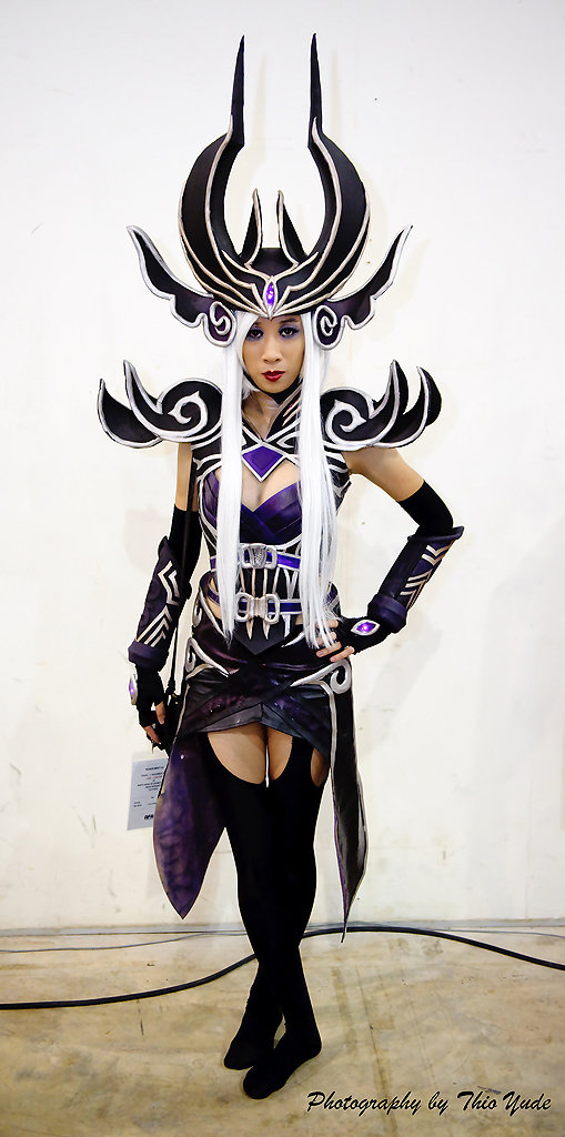 syndra - awesome league of legends cosplay