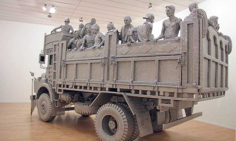 tumblr oi6ms1pjr71v0w7fmo2 1280 - life sized truck made of stainless steel balls
