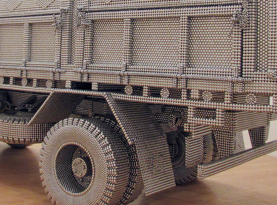 tumblr oi6ms1pjr71v0w7fmo3 1280 - life sized truck made of stainless steel balls