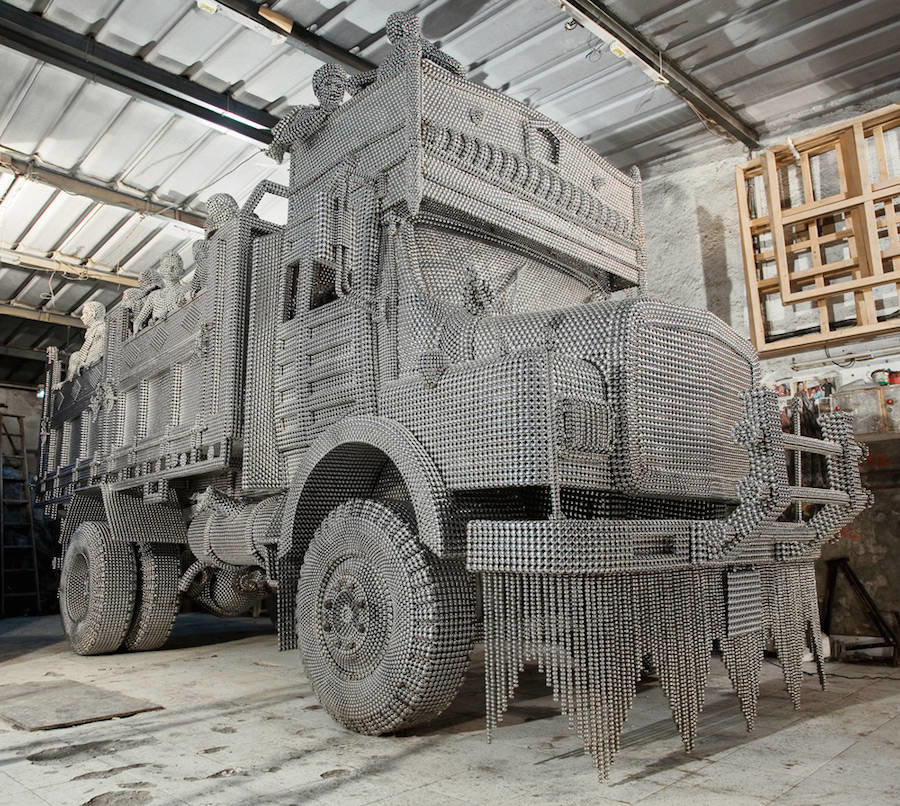 tumblr oi6ms1pjr71v0w7fmo6 1280 - life sized truck made of stainless steel balls