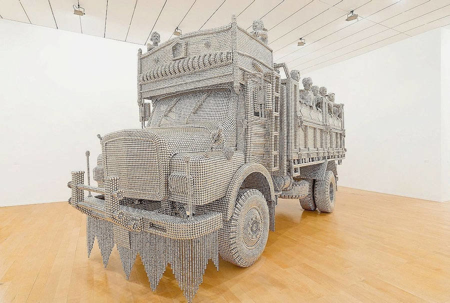 tumblr oi6ms1pjr71v0w7fmo8 1280 - life sized truck made of stainless steel balls