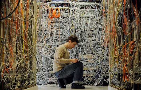 wires - a server room nightmare...
