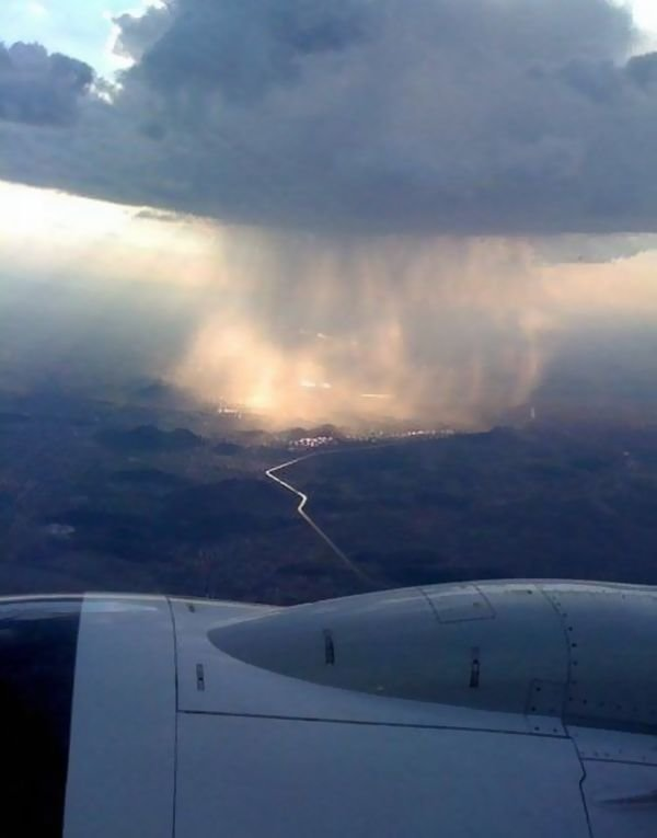 xsfsp -  rain & cloud seen from a plane